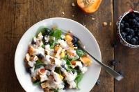 Салат с курицей и Ягоды черники