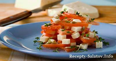 Овощной салат с брынзой помидорами и свежей зеленью