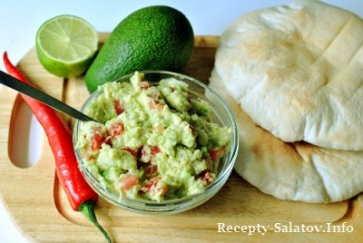 Соус Гуакамоле из авокадо и помидоров