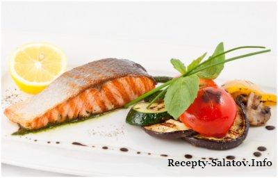 Филе лосося на гриле с овощами и соусом Песто