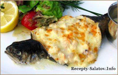 Запеченная форель с сыром Моцарелла  и овощами
