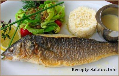 Запеченный  окунь Сибас с рисом овощами и соусом Бер Блан