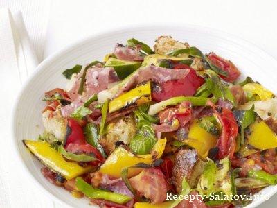 Итальянский гриль-салат панцанелла с салями