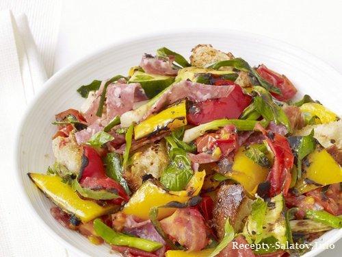 Образец подачи блюда - Гриль-салат панцанелла с салями