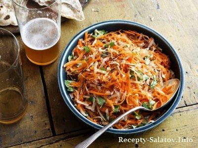Морковный салат с кокосом и лаймовый сок