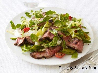 Салат айсберг и кресс салат с говяжим стейком блейд