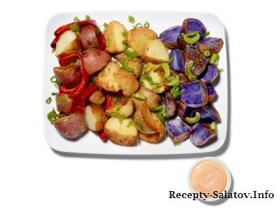 Салат из цветного картофеля, сельдерея и сладкого перца