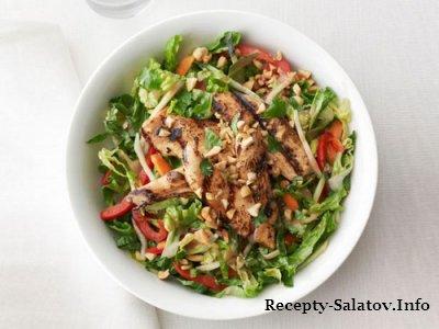 Вкусный нежный куриный салат по-тайски