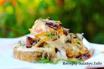 Жареное филе судака с шампиньонами и сыром