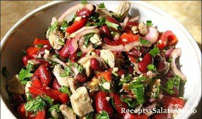 Сочный салат с говядиной и фасолью заправленный маянезом