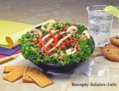 Салат для ресторана куриная грудка  ананас сыр и шампиньоны