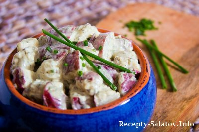 Летний сочный картофельный салат с пряностями