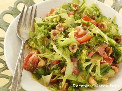 Салат из брокколи с помидорами черри лимонно-горчичной заправкой