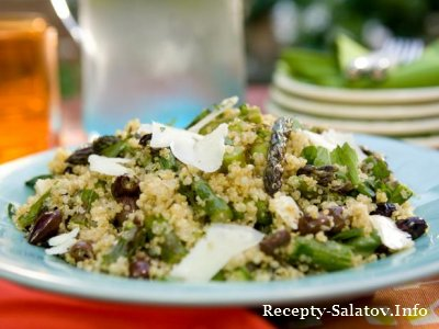 Салат спаржа жаренная на гриле со свежим тимьян и кремовый козий сыр