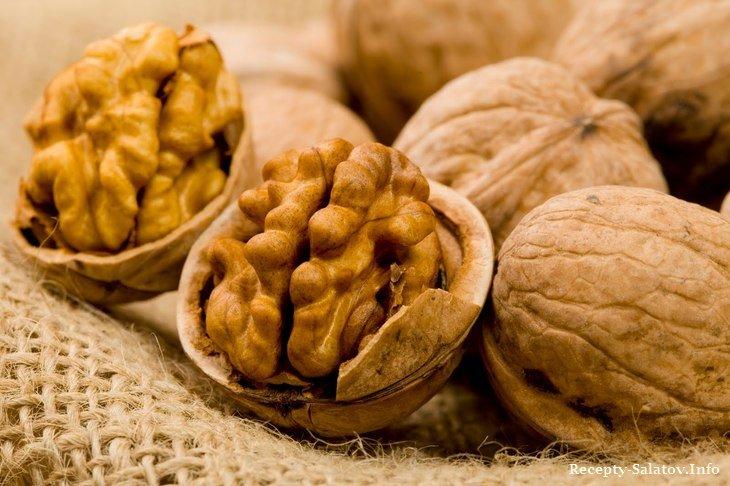 Исследования показали, что грецкие орехи – редкий источник самых разных витаминов и полезных кислот