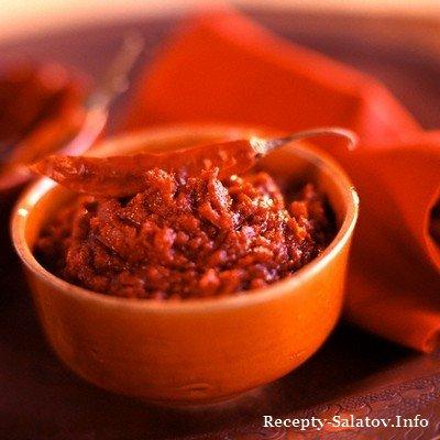 Пикантный соус харисса из смеси трав и специй