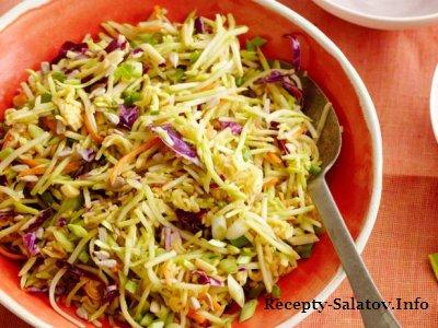 Вкусный простой салат из капусты брокколи и лапши