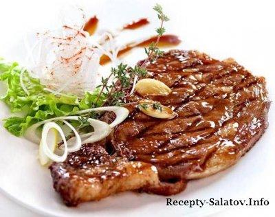 Говяжий бифштекс стейк рибай маринованый в смеси масла