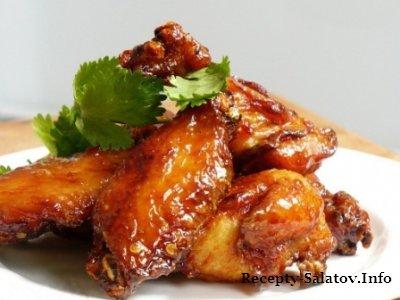 Очень аппетитные крылышки в маринаде
