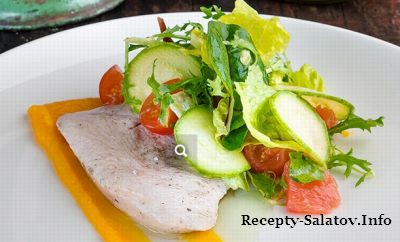 Филе индейки с тыквенным пюре и микс-салатом