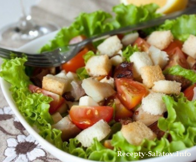 Салат со скумбрией и беконом