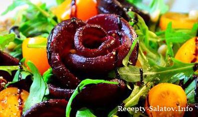 Овощной салат с чечевицей и руколой