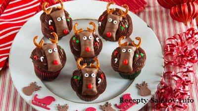 Шоколадные кексы с оленями на рождество