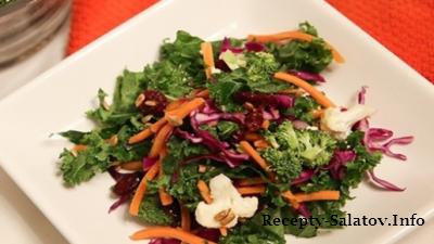 Детокс салат с бальзамической заправкой
