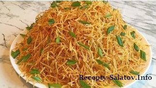 Салат со свининой картофелем и помидорами слоями